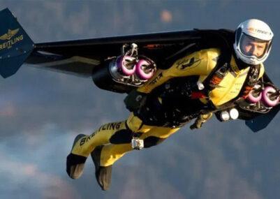 Yves-Rossy-Jetman-uomo-volante-Copertina